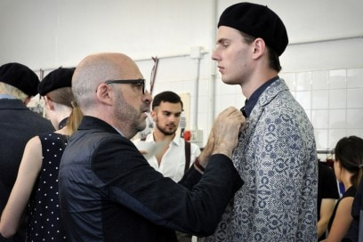 Backstage Antonio Marras: lo stilista nel backstage