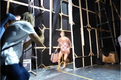 Backstage Vivienne Westwood: durante la sfilata nel backstage