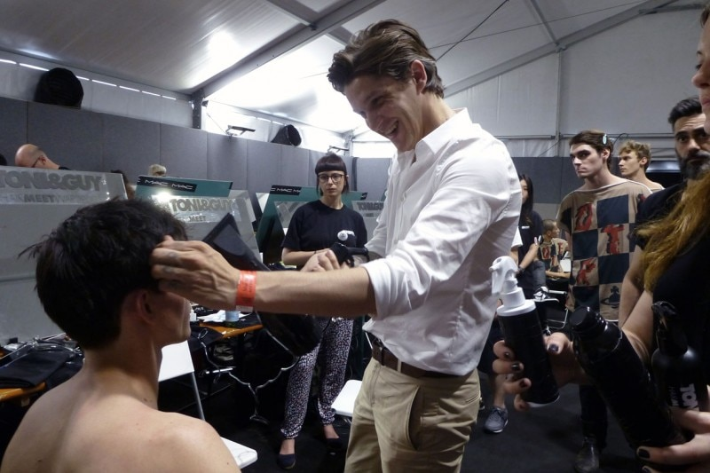 Backstage Vivienne Westwood: l'hairstlylist Mark Hampton