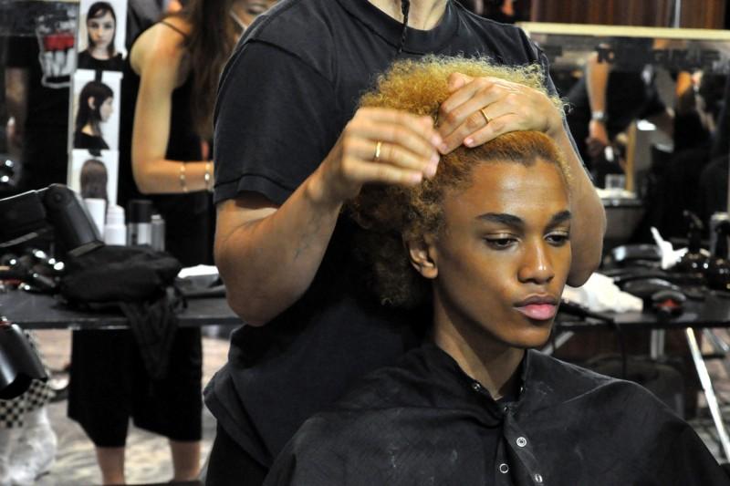 Backstage sfilata N°21: volume hair