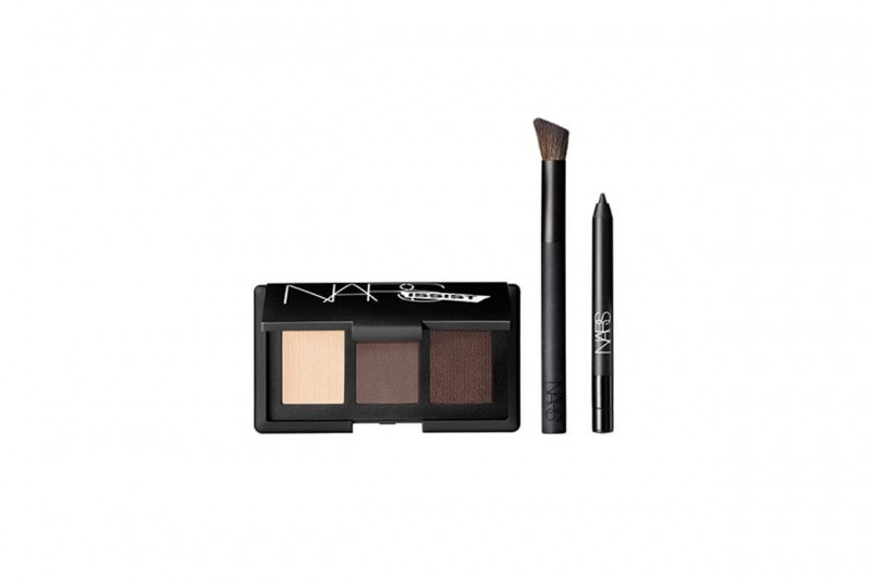 COME TRUCCARSI CON UN TOTAL LOOK NERO: SMOKEY EYES CON NARS AND GOD CREATED THE WOMAN PALETTE