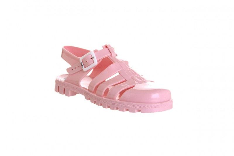 Come non vestirsi in città d'estate: le jelly shoes