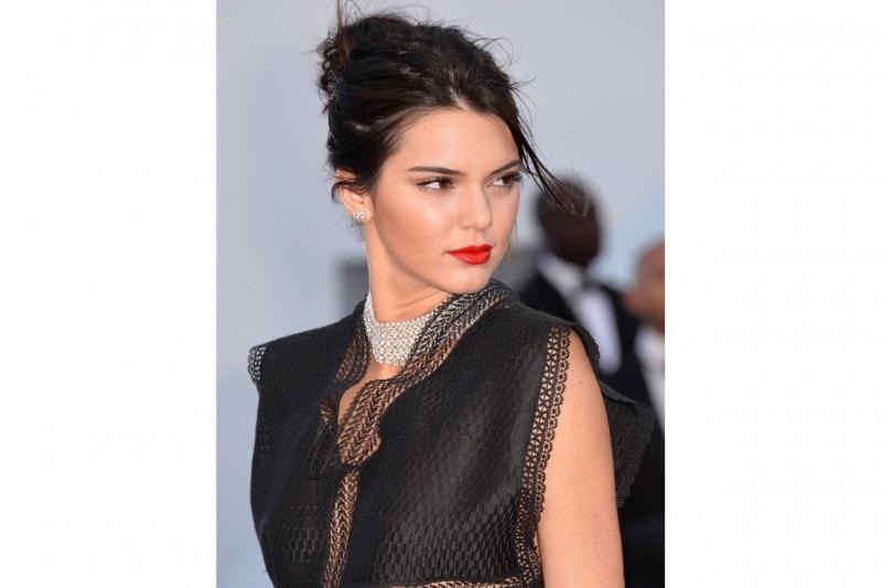 I capelli raccolti delle star: Kendall Jenner