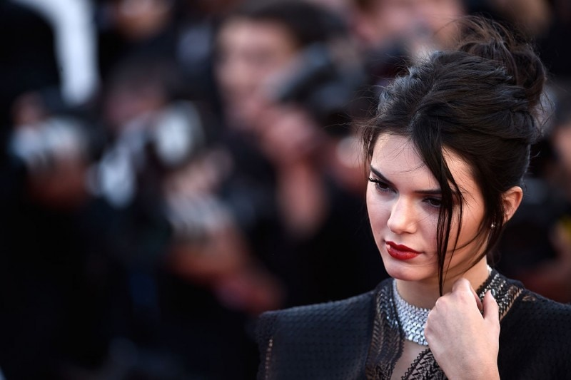 KENDALL JENNER CAPELLI: RACCOLTO EFFORTLESS