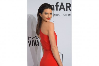 KENDALL JENNER CAPELLI: WET STYLE