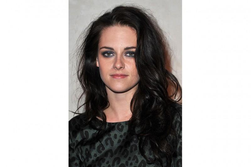 Kristen Stewart capelli: capelli scuri