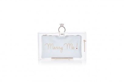 "La clutch ""marry me"" di Charlotte Olympia"