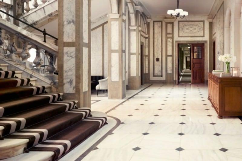La hall del Rosewood Hotel dove abbiamo soggiornato