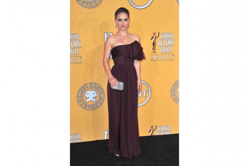 Natalie Portman in giambattista valli couture