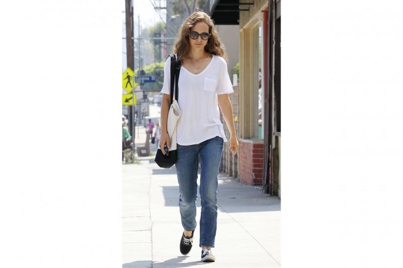 "Natalie Portman ""off duty"""
