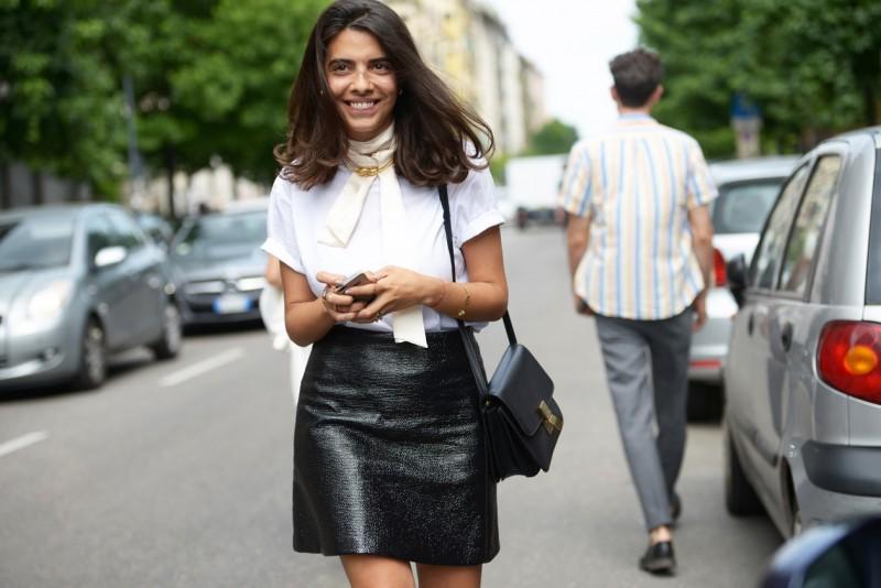 Tendenze capelli dallo street style a Milano: riga indefinita