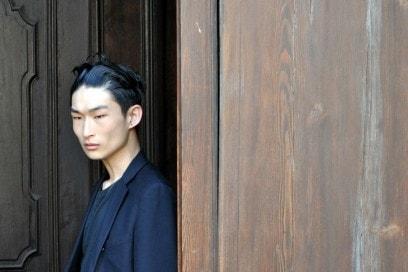 Tendenze capelli dallo street style a Milano: tendenza sleek