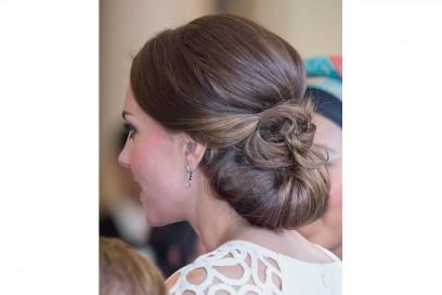 Kate Middleton capelli: chignon basso con fiocco