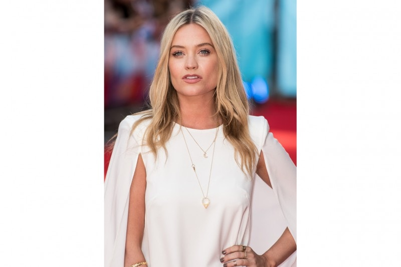 Laura Withmore capelli: look bronde
