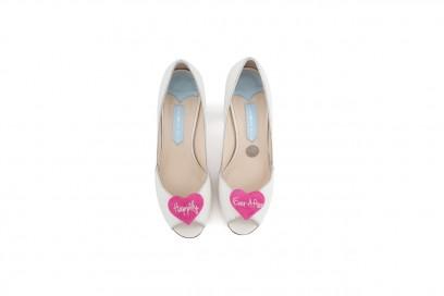 le scarpe con applicazione romantica