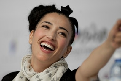NINA ZILLI CAPELLI: PUT A BOW IN YOUR HAIR