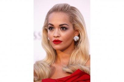 Rita Ora trucco: luce sul viso