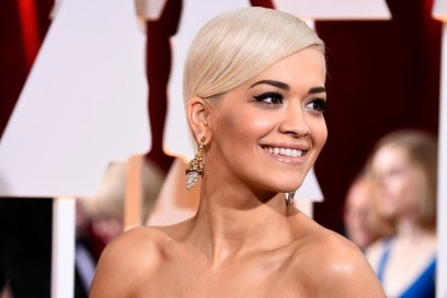 Rita Ora trucco: base viso radiosa