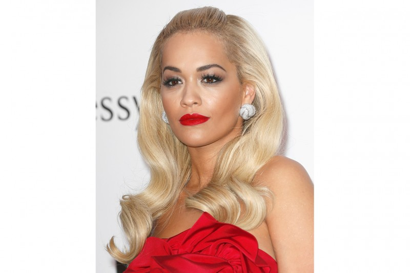 Rita Ora trucco: smokey eyes delicato