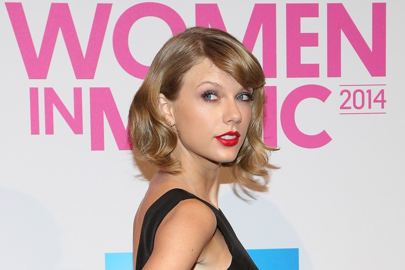 TAYLOR SWIFT CAPELLI: GLAM