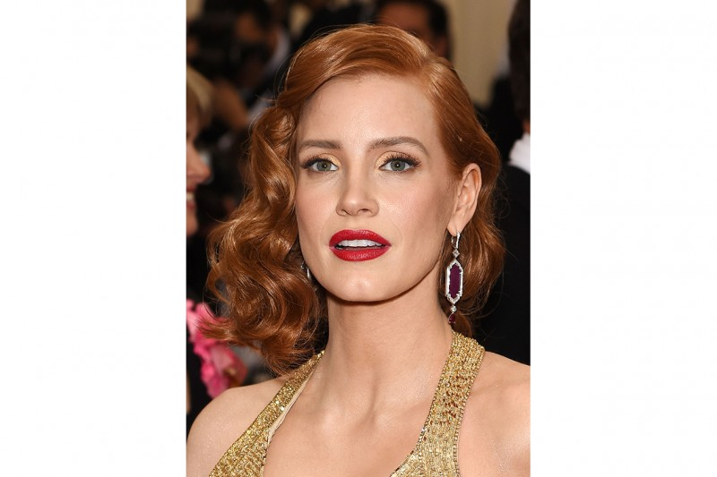 TENDENZE CAPELLI Estate 2015: SIDE SWEPT HAIR PER JESSICA CHASTAIN