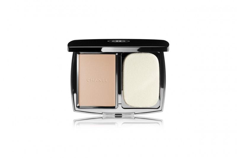 Fondotinta compatti: Chanel Vitalumière Compact Douceur