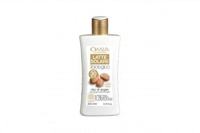 La beauty bag per le pelli sensibili: Latte Solare SPF30 di Omia Laboratoires