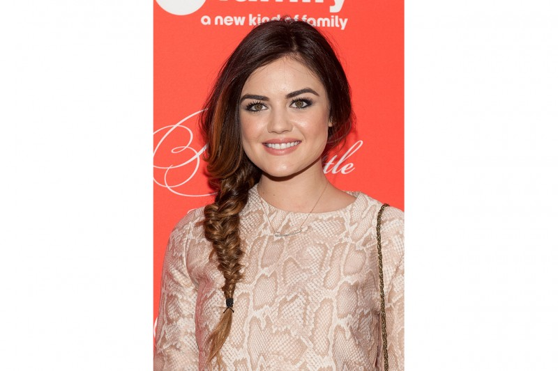 Lucy Hale beauty look: nude look