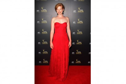 Sarah Snook: in abito lungo rosso