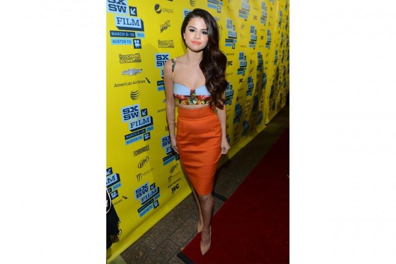 Selena Gomez: Tropical look di Dolce & Gabbana