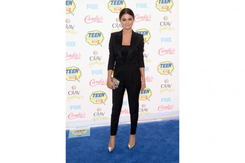 Selena Gomez: boiysh look saint laurent