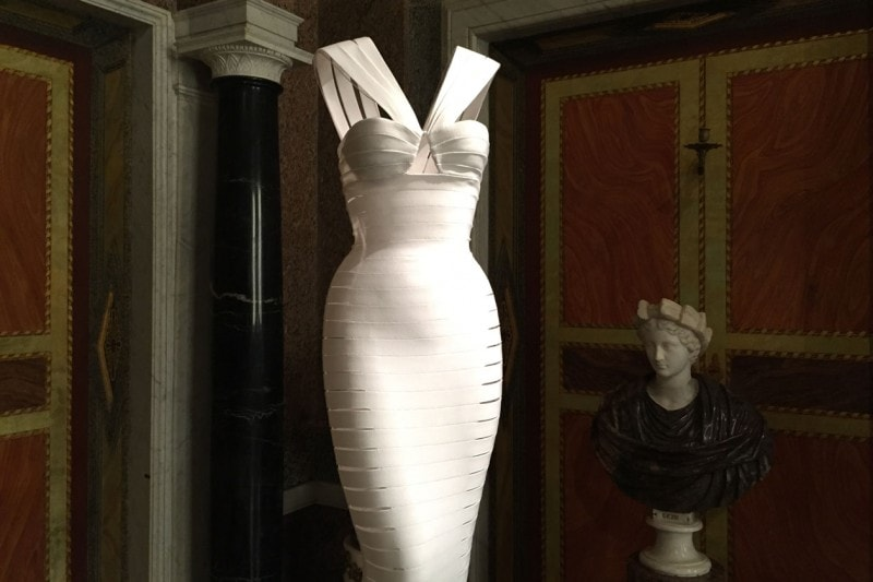 Couture/Sculpture. Azzedine Alaïa in the history of fashion