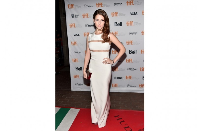 anna kendrick: in total white