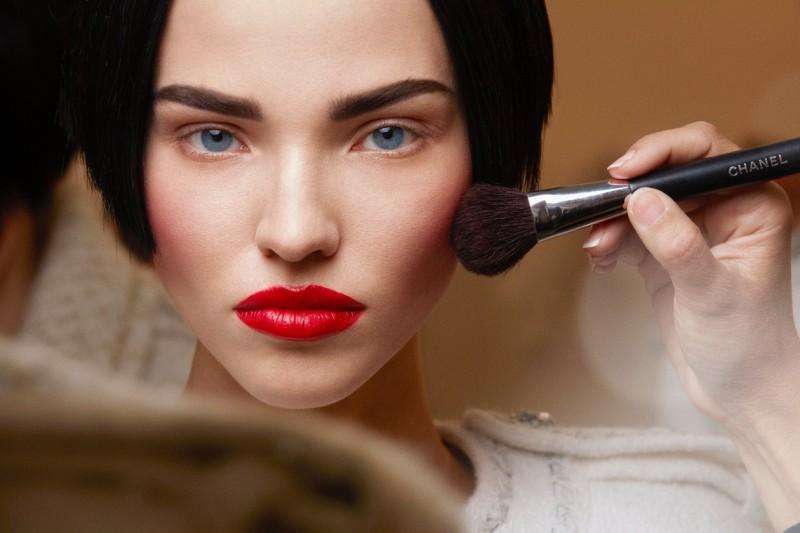 Chanel Haute Couture A/I 2015-2016: maquillage deciso