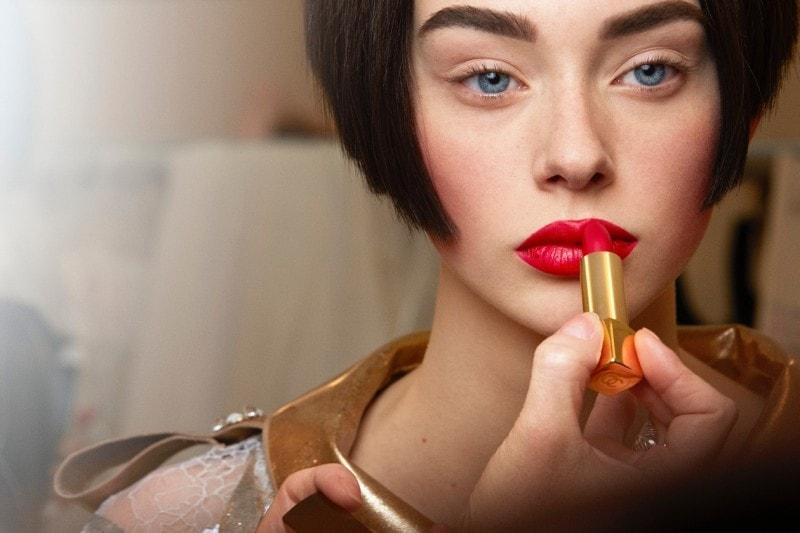 Chanel Haute Couture A/I 2015-2016: labbra di velluto