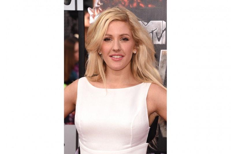 Ellie Goulding trucco: occhi e labbra al naturale