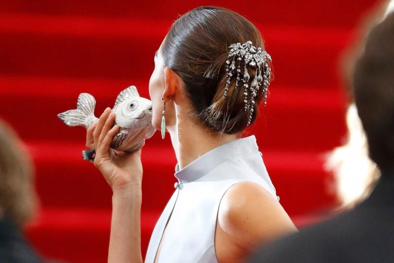 Lily Aldridge capelli: accessorio prezioso