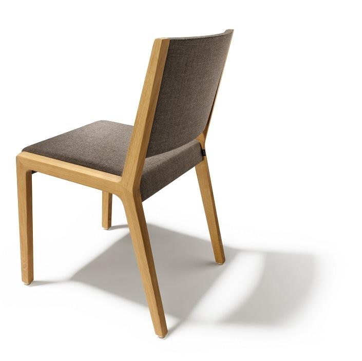 La sedia Eviva di Team 7