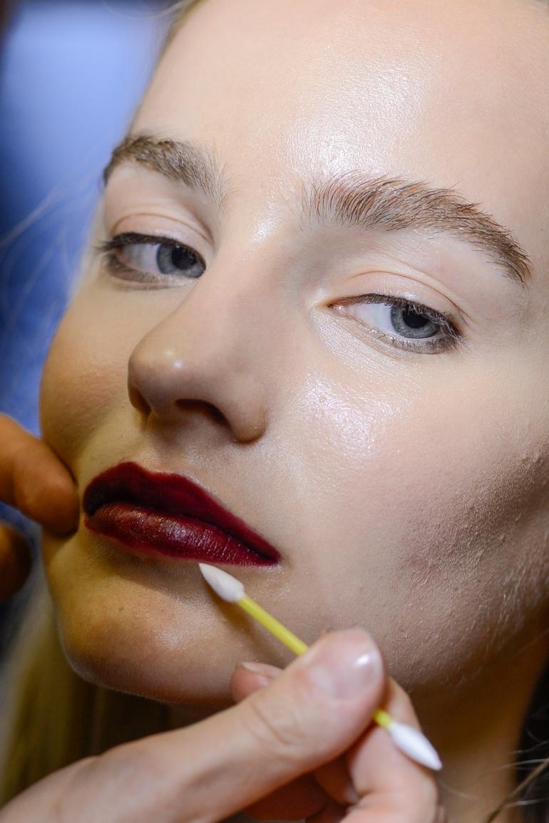 uso-alternativo-primer-sistemare-contorno-labbra