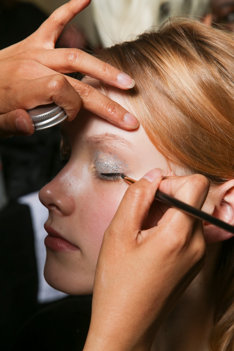 uso-alternativo-primer-sistemare-eyeliner