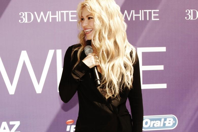 A Barcellona con Shakira per scoprire il segreto del suo sorriso