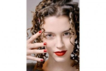 blugirl unghie rosse