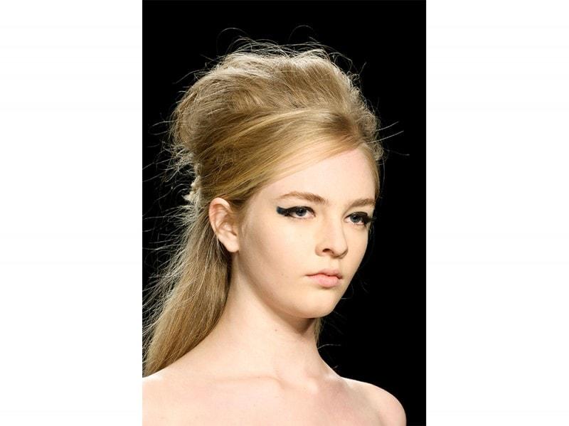 Badgley Mischka capelli biondi