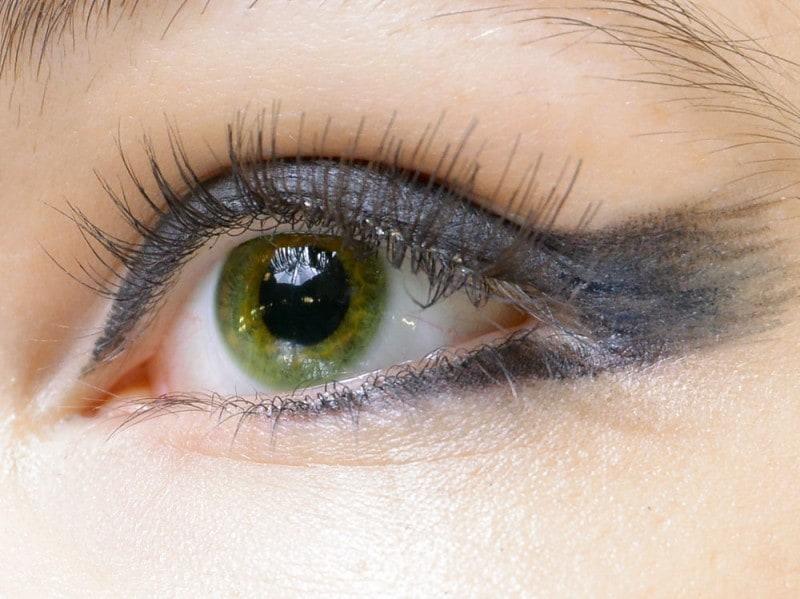 trend eyeliner AI 9