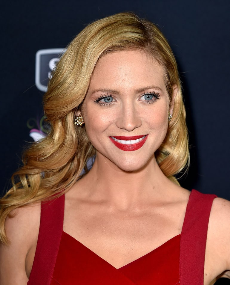 Brittany Snow onde glamour