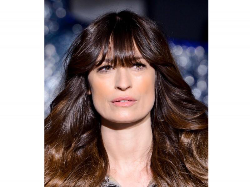 H&M Studio capelli mossi