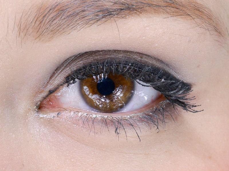 trend eyeliner AI 1