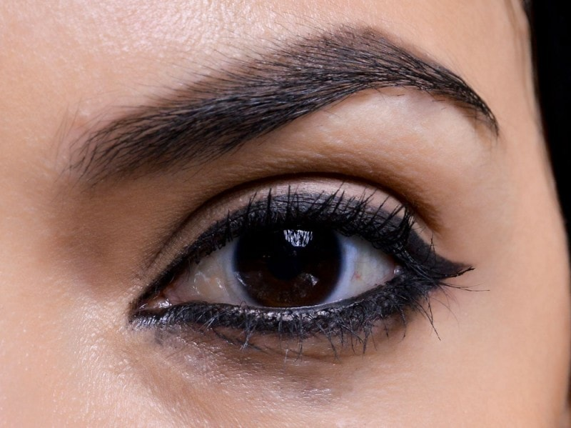 trend eyeliner AI 3