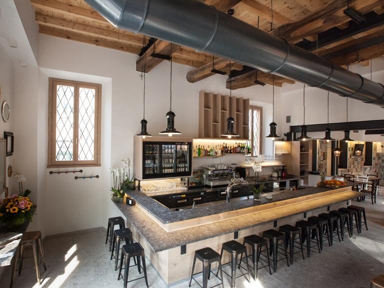 Stile industriale 3 nuovi locali a milano da cui prendere for Bar stile industriale