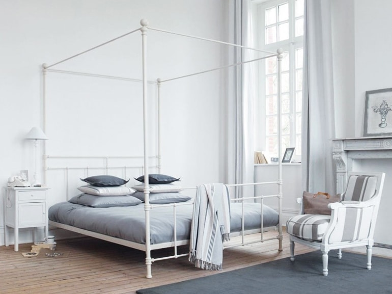 Sogni d 39 oro s ma con un letto a baldacchino grazia - Maison du monde letto contenitore ...